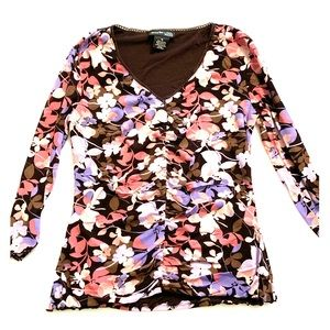 3/$30: gathered floral top